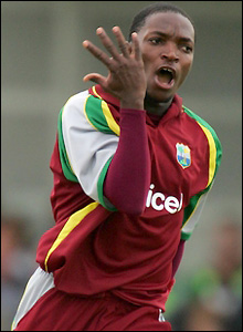 Fidel Edwards celebrates the dismissal of Collingwood for only one run