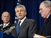 Senators Biden (left), Hagel and Levin (right) announce their resolution