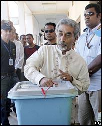Mari Alkatiri casts his vote