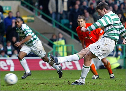 Chris Sutton scores against Dundee in February 2004