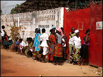 The women's health clinic run by M�decins Sans Fronti�res