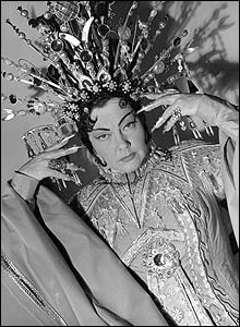 Amy Shuard in Turandot, 1963 (Donald Southern Collection)