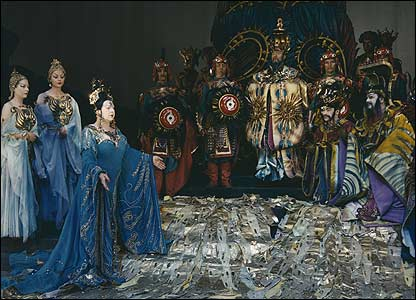 Dame Eva Turner and company in Turandot, 1947