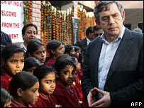 Gordon Brown with school children in Sarhual, in Gurgaon - in Delhi