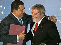 Hugo Chávez (iz.) y Lula da Silva