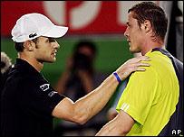 Andy Roddick y Marat Safin