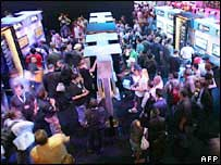 E3 crowds, AFP