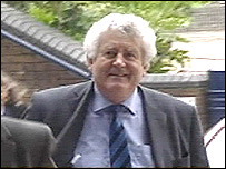 Rhodri Morgan arrives for the special Labour conference in Cardiff