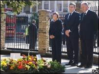 Gordon Brown, Tessa Jowell and Ken Livingstone at 7/7 wreath laying