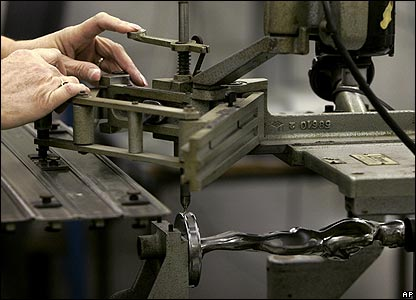 A pantograph is used to add a serial number to the base of every Oscar.