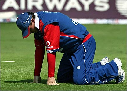 Ian Bell reacts to dropping Chris Gayle