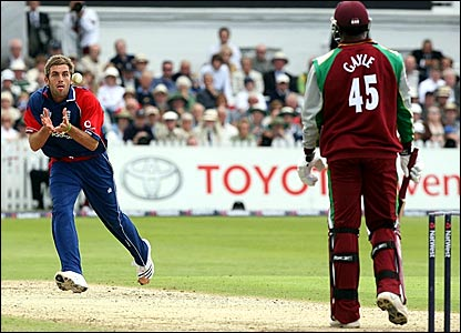 Liam Plunkett takes a return catch to dismiss Chris Gayle