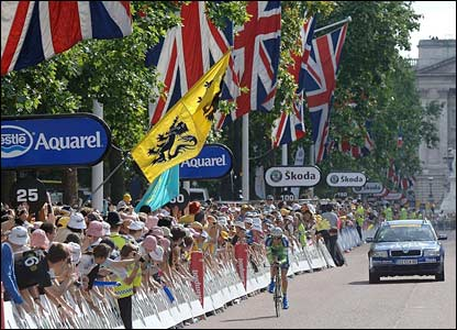 Charlie Wegelius finishes on The Mall