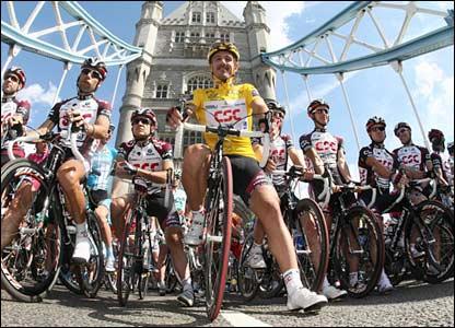 Fabian Cancellara waits for the start of the pre-race