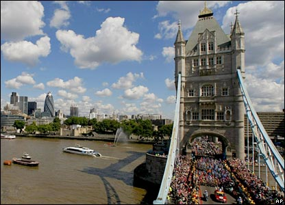 The race starts at Tower Bridge