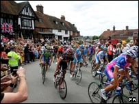 Competitors race through Goudhurst