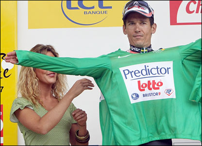Robbie McEwen gets the green jersey