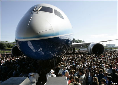 Dreamliner surrounded by crowds