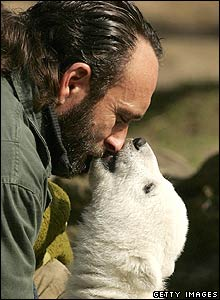 Knut and keeper, Thomas Doerflein