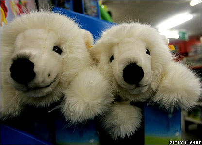 Polar bear toys in store