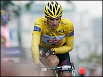 Fabian Cancellara grimaces in pain as approaches the finishing line in Ghent