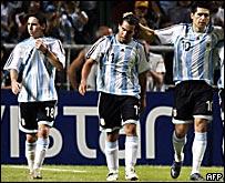 De izq. a der.: Messi, T�vez y Riquelme