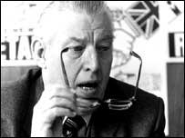 Ian Paisley at a press conference on 31 May 1983