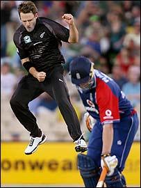 Daniel Vettori celebrates one of his four wickets