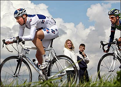 Nicolas Vogondy (left) and Matthieu Ladagnous lead stage three