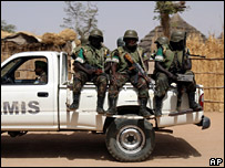 African Union peacekeepers in Darfur (archive)