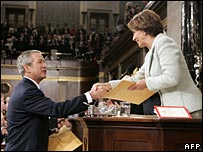 President Bush and Speaker Pelosi shake hands before the 2007 State of the Union