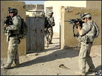 US soldiers on patrol in Baquba, Iraq