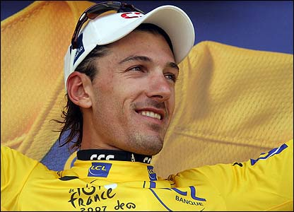 Cancellara retains the leader's yellow jersey