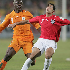 Ahmed Fathi in action for Egypt against Ivory Coast