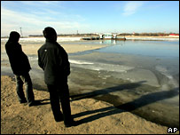Harbin residents on the bank of the Songhua River in November 2005