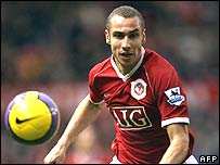 Manchester United's Swedish forward Henrik Larsson