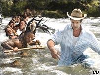 Mel Gibson guía a los actores durante el rodaje