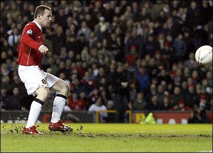 Wayne Rooney scores Man Utd's first goal