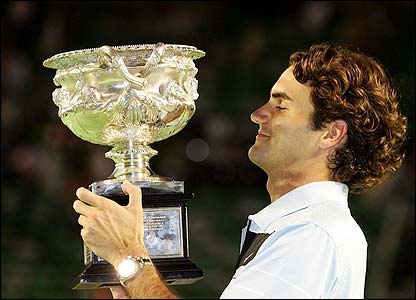 Federer picks up the trophy yet