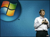 Bill Gates giving a presentation on Windows Vista