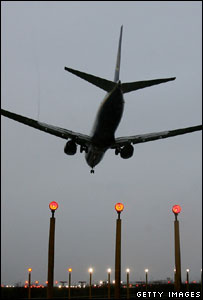 Aircraft coming in to land (Getty Images)