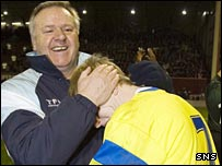 Jim Jefferies congratulates Steven Naismith
