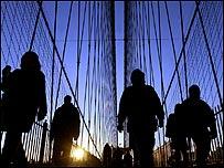 Gente camina en Nueva York