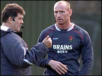 Wales coach Gareth Jenkins and Gareth Thomas