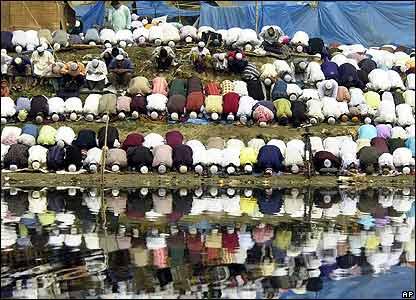 Muslims at Bangladesh festival