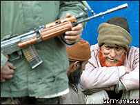 Policía en la zona de Cachemira administrado por India