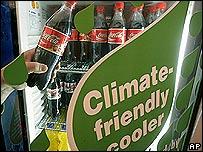 Nevera con mensaje ecologista.