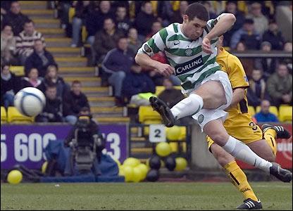 Darren O'Dea scores