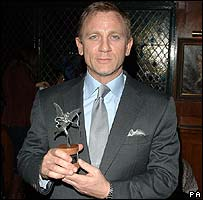 Daniel Craig with his Evening Standard award