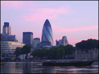 London scene, with the 'Gherkin' in the centre